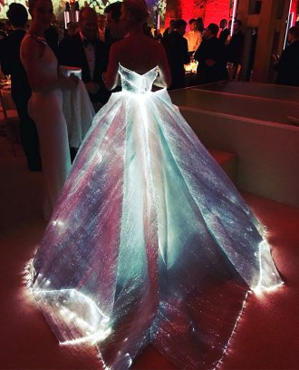 claire-danes-cinderella-glowing-dress-gown-met-gala-zac-posen-7